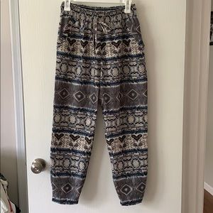 Patterned flowy pants